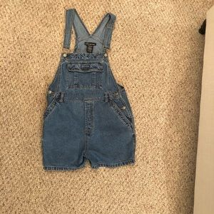 Denim overall shorts, Size Large